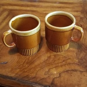 Set of 2 VTG 70s Vintage earthenware mugs